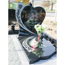 памятник из гранита в виде сердца №48
