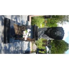 гранитный памятник с лебедем №100