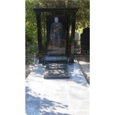памятник с колонами и крышей №106