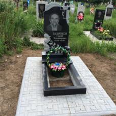 памятник из гранита с розами  №112