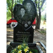 памятник из гранита в виде сердца №262
