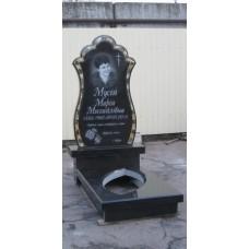 памятник из гранита с инкрустацией